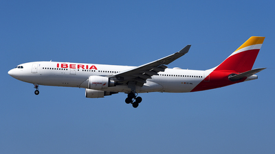 A picture of ECMNL - Airbus A330202 - Iberia - © Rocky Wang