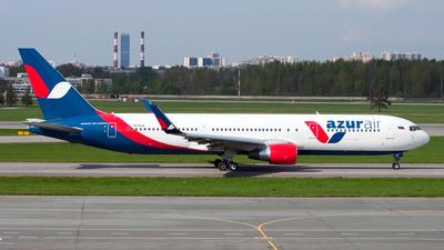 A picture of VPBUX - Boeing 7673Y0(ER) - Azur Air - © Ivan Goreza