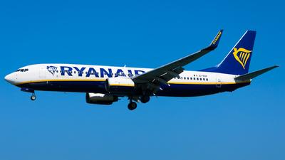 A picture of EIEBF - Boeing 7378AS - Ryanair - © Martin Rogosz