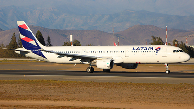 CC-BEO - Airbus A321-211 - LATAM Airlines