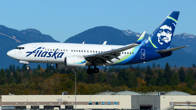 A picture of N644AS - Boeing 737790 - Alaska Airlines - © Chung Kwok