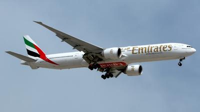 A6-ECV - Boeing 777-31HER - Emirates