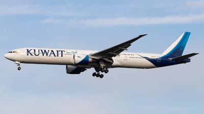 9K-AOJ - Boeing 777-369ER - Kuwait Airways