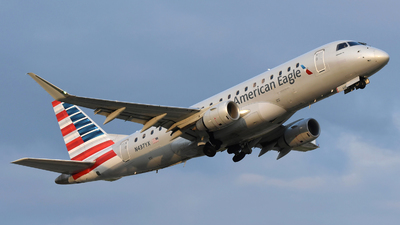 A picture of N437YX - Embraer E175LR - American Airlines - © DJ Reed - OPShots Photo Team