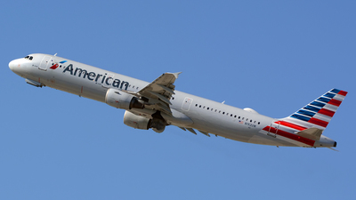 A picture of N192UW - Airbus A321211 - American Airlines - © Stefan Alexandru