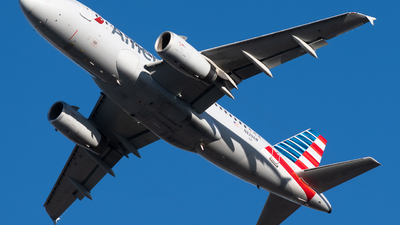 A picture of N829AW - Airbus A319132 - American Airlines - © Michael Place