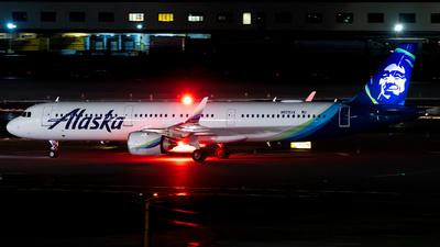 N925VA - Airbus A321-253N - Alaska Airlines