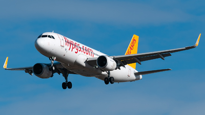 A picture of TCDCG - Airbus A320216 - Pegasus Airlines - © Varani Ennio