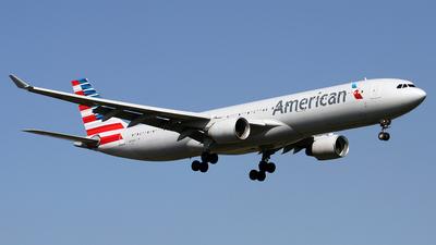 N276AY - Airbus A330-323 - American Airlines