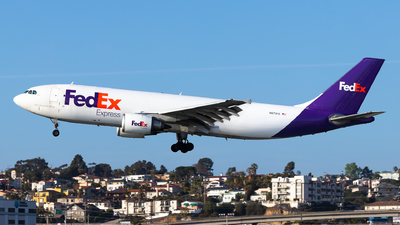 A picture of N673FE - Airbus A300F4605R - FedEx - © Brandon Ravelo