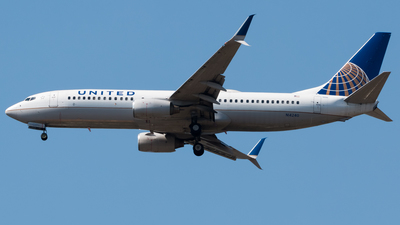 A picture of N14240 - Boeing 737824 - United Airlines - © Luis Portillo