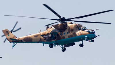 786-801 - Mil Mi-35M Hind - Pakistan - Army Aviation