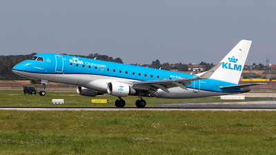 A picture of PHEXG - Embraer E175STD - KLM - © Marco Wolf
