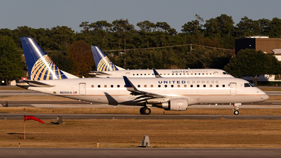 A picture of N89304 - Embraer E175LR - United Airlines - © Houstoniahspotter
