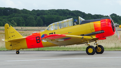 PH-MLM - North American AT-16ND Harvard IIB - Netherlands - Air Force Historic Flight