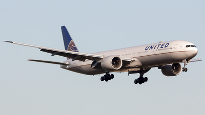N2341U - Boeing 777-322ER - United Airlines