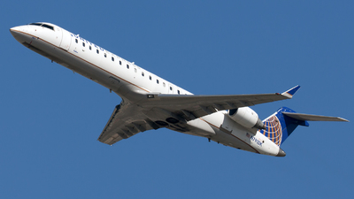 A picture of N791SK - Bombardier CRJ701ER - United Airlines - © William Vignes