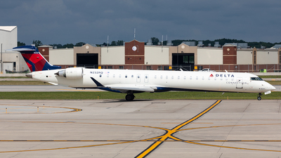 A picture of N232PQ - Mitsubishi CRJ900LR - Delta Air Lines - © HAOFENG YU