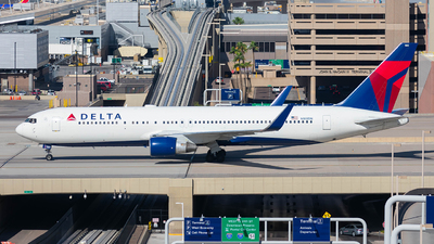 A picture of N180DN - Boeing 767332(ER) - Delta Air Lines - © Taxi_Way_