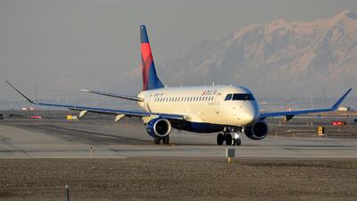 A picture of N274SY - Embraer E175LR - Delta Air Lines - © Justin Lawrence