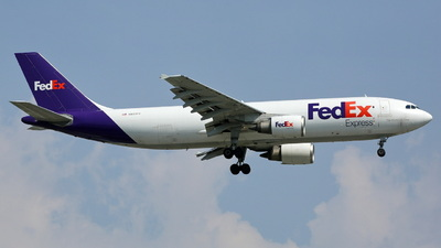 A picture of N653FE - Airbus A300F4605R - FedEx - © Ethan Tang