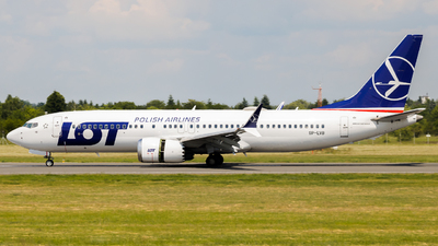 A picture of SPLVB - Boeing 737 MAX 8 - LOT - © Franek Gawor