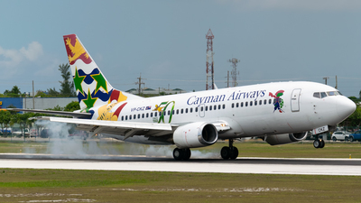 VP-CKZ - Boeing 737-36E - Cayman Airways
