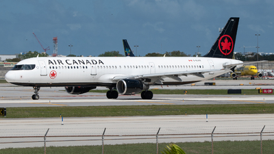 A picture of CGJVX - Airbus A321211 - Air Canada - © Matthew Calise
