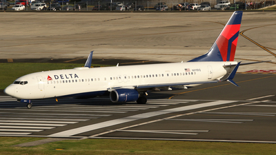A picture of N911DQ - Boeing 737932(ER) - Delta Air Lines - © Carlos Vaz