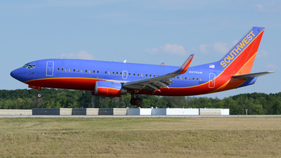 A picture of N375SW - Boeing 7373H4 - [26583] - © DJ Reed - OPShots Photo Team