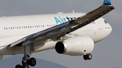 C-GTSZ - Airbus A330-243 - Air Transat