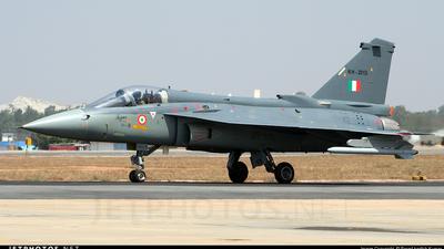 KH2013 - Hindustan Aeronautics LCA Tejas Mk.I - India - Air Force