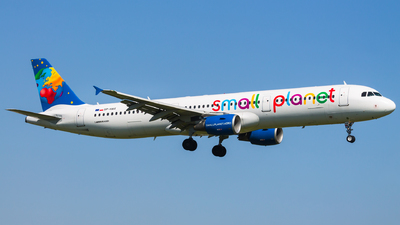 SP-HAX - Airbus A321-211 - Small Planet Airlines Polska