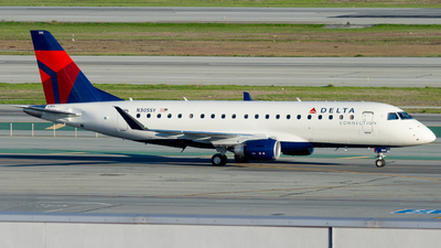 A picture of N305SY - Embraer E175LR - Delta Air Lines - © global_flyer1
