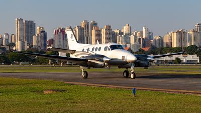 PT-XHP - Beechcraft C90B King Air - Private