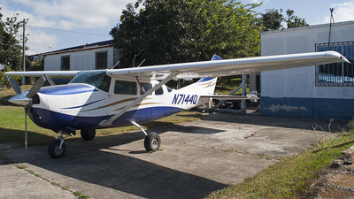 N7144Q - Cessna U206F Stationair - Private