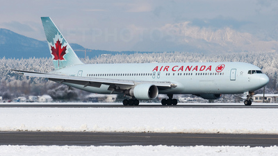 C-FMXC - Boeing 767-333(ER) - Air Canada