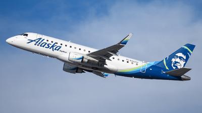 N402SY - Embraer 170-200LR - Alaska Airlines (Skywest Airlines)