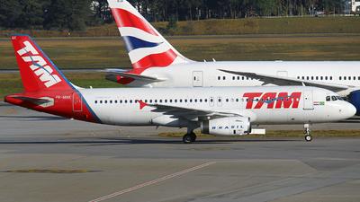 PR-MAK - Airbus A320-232 - TAM Linhas Aéreas