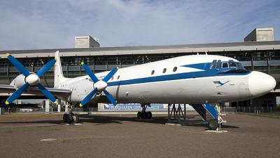 DM-STA - Ilyushin IL-18V - Deutsche Lufthansa