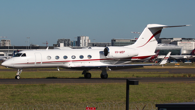 A picture of VHMBP - Gulfstream G450 - [4185] - © Dave Potter