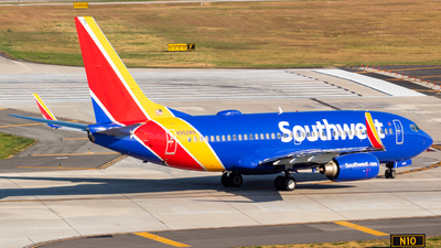 N952WN - Boeing 737-7H4 - Southwest Airlines