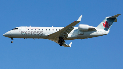 C-GQJA - Bombardier CRJ-200ER - Air Canada Express (Jazz Aviation)