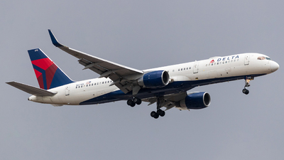 A picture of N6710E - Boeing 757232 - Delta Air Lines - © Alejandro Zárate