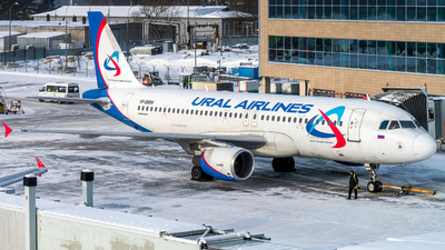 A picture of VPBMW - Airbus A320214 - Ural Airlines - © Alexander Lebedev