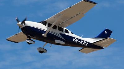 VH-KWX - Cessna 206H Stationair - Private