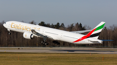 A picture of A6EGH - Boeing 77731H(ER) - Emirates - © Roland Brei - RFotomoments