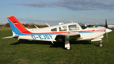 D-EJSY - Piper PA-28R-201T Turbo Cherokee Arrow III - Private