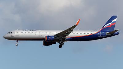 VP-BTK - Airbus A321-211 - Aeroflot