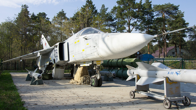 06 - Sukhoi Su-24M Fencer - Russia - Air Force